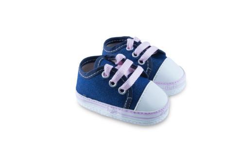 Zapatilla de Bebé de Jeans con Cordones y Detalle en Color Rosa