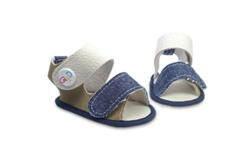 Sandalia de bebé con detalle en Jeans